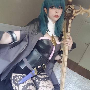 Byleth (Fire Emblem Three Houses) cosplay selfie set