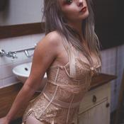 Chloe Lingerie Bathroom Set
